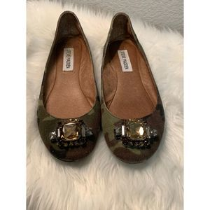 Steve Madden Leather Flat